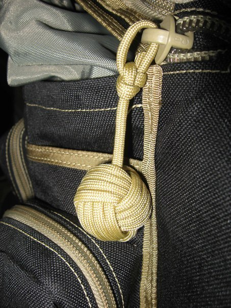 Tie-a-Monkeys-Fist-Decorative-Knot-0
