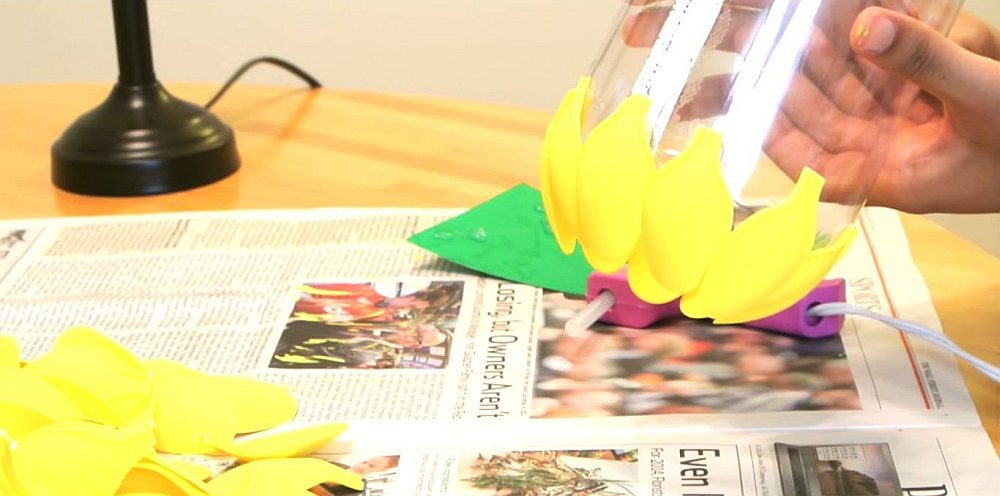 diy pineapple lamp tutorial Simple DIY Pineapple Lampshade Made From Spoons