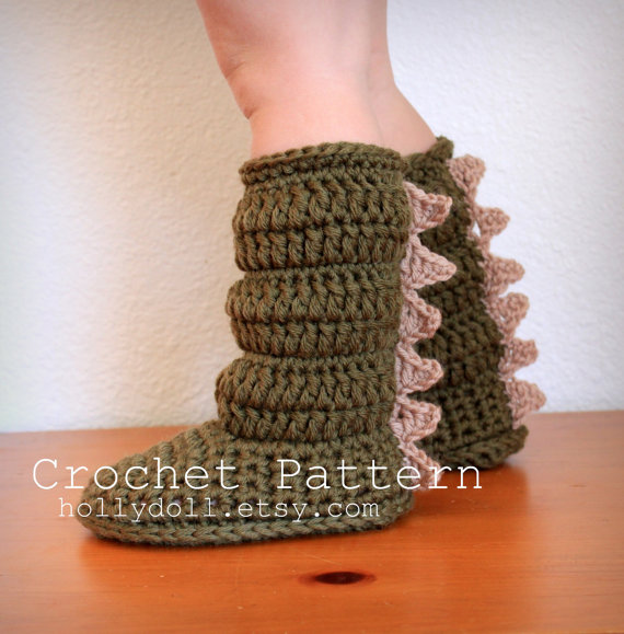 Hollydoll Slipper Boots6.1 Wonderful DIY Crochet Cozy Boots with Dragon Scales For Kids