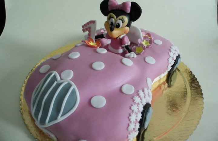 Minnie driving – birthday cake 15