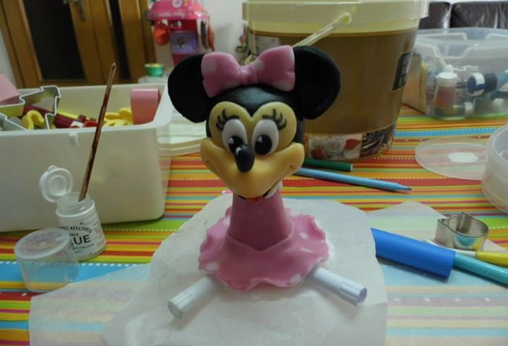 Minnie driving – birthday cake 9