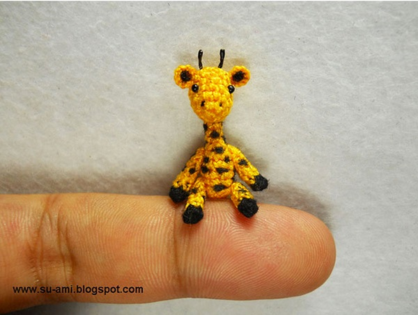crochet-delicate-miniature-animals-from-japanese-artist-13