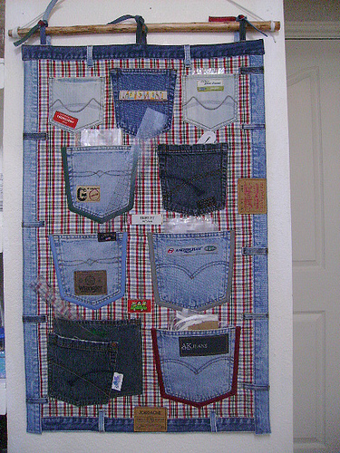Wonderful DIY Hanging Jeans Pocket Organizer