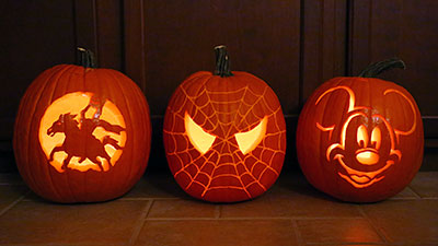 pumpkins carving spider