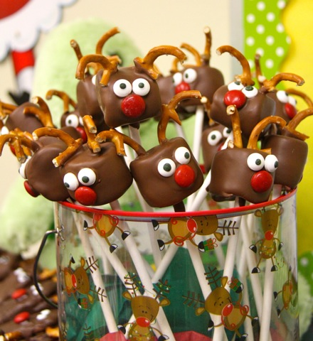 Chocolate Covered Marshmallow Reindeers 1 Wonderful DIY Chocolate Marshmallow Reindeers
