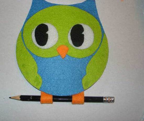 Creative-Ideas-DIY-Adorable-Felted-Owl-from-Old-CD-7