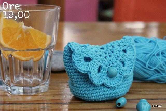 Crochet purse in blue