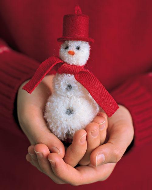DIY PomPom Snowman 1 Wonderful DIY Cute Mini Pom Pom Snowmen