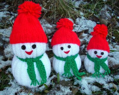 Knitted-Snowmen3