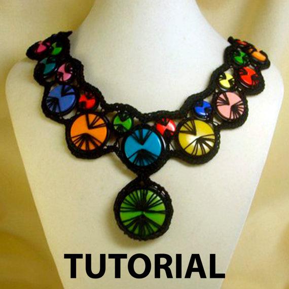 crochet button necklace3