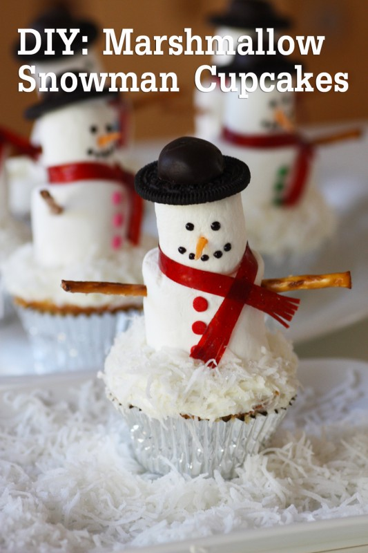 mashmallow snowman cupcake diy 1 2 title2jpg 533x800 Wonderful DIY Marshmallow Snowman Cupcakes