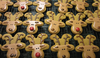 reindeer cookies Wonderful DIY Cute Reindeer Cookies With Gingerbread