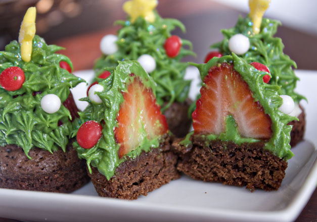 strawberry christmas tree brownie F2 Wonderful DIY Strawberry Christmas Tree Brownie