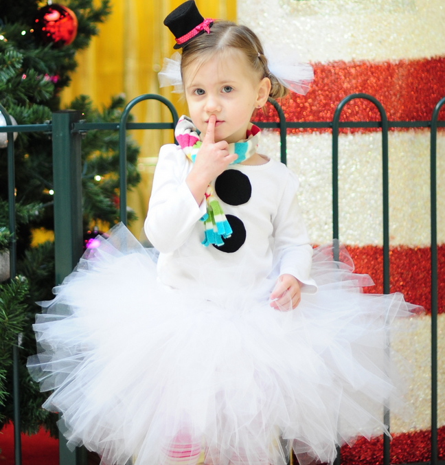 Christmas Tutu dress wonderful DIY2 Wonderful DIY Christmas Tutu Dress for Your Little Princess