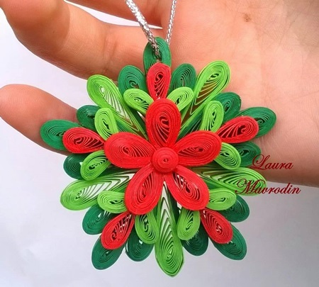DIY-Quilling-Christmas-Decoration-7