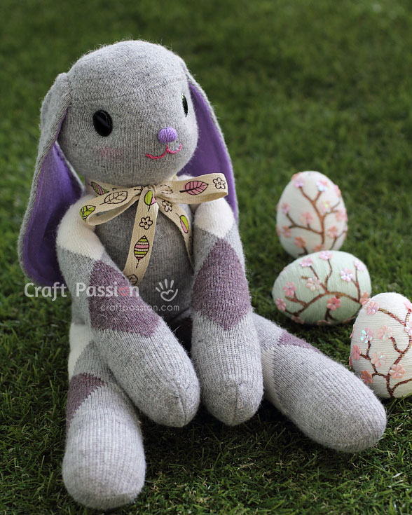 Long-Ear-Sock-Bunny-Tutorial-wonderfuldiy1