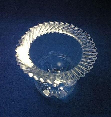 plastic bottle vase- wonderful DIY 14