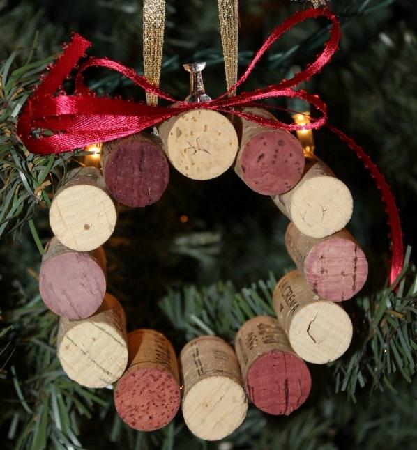 wine-cork-wreath-ornament