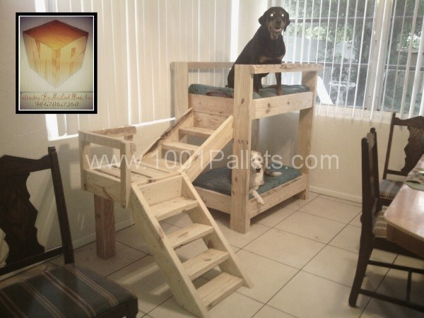 Doggy bunkbeds made out of pallets-wonderful diy