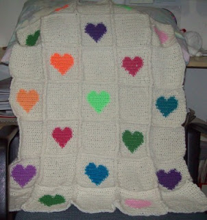 crochet heart blanket3 Wonderful DIY Crochet Valentine Heart  Afghan with Free Pattern