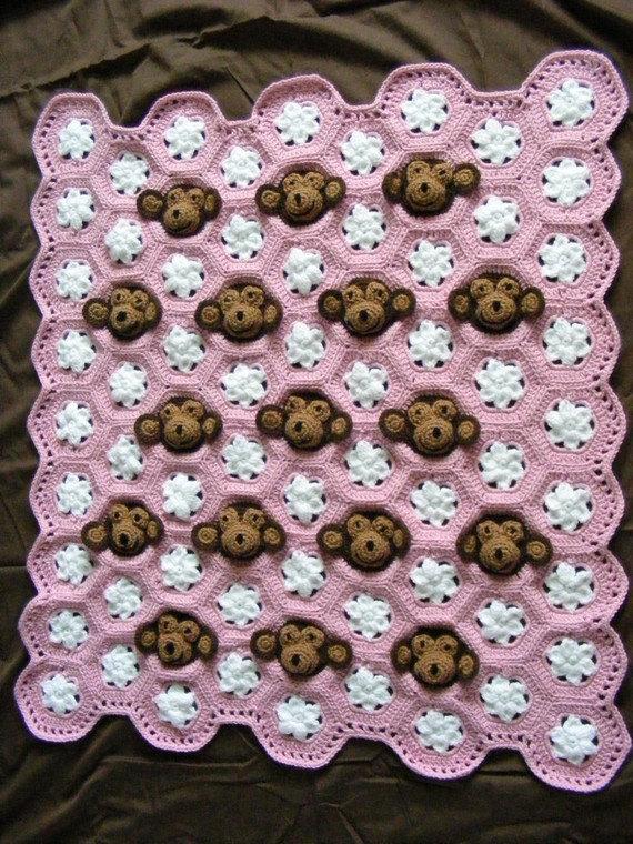 crochet monkey blanket pattern wonderfuldiy1 Cute Crochet Monkey Blankets for Babies