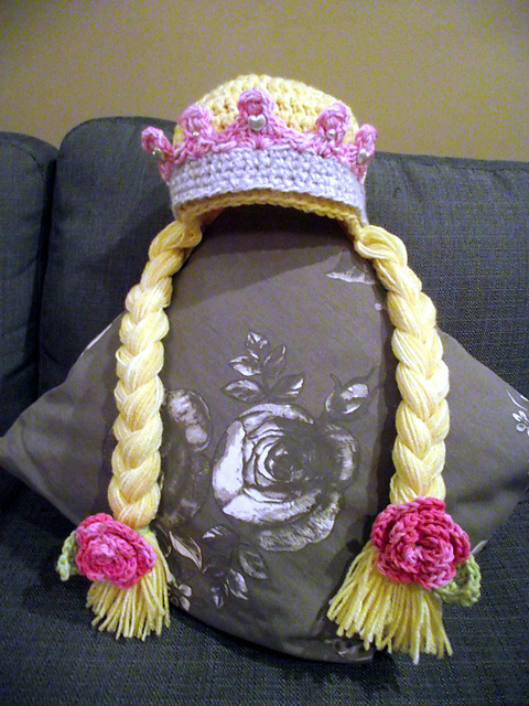 Crochet-Princess-Crown-FREE-Pattern-wonderfuldiy