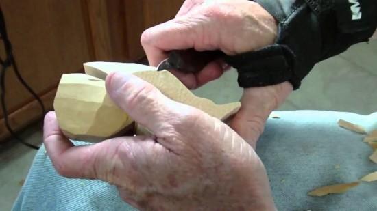 How-to-Carve-a-Wodden-Owl-wonderfuldiy