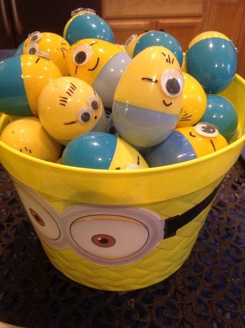 Minion-Easter-Eggs-wonderfuldiy2