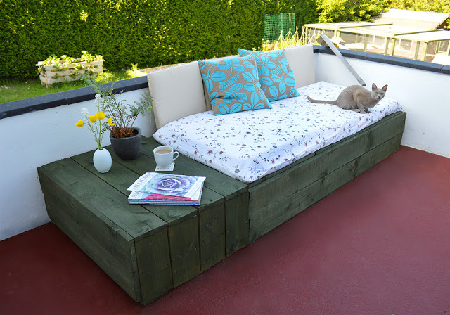 Pallet Patio Day Bed