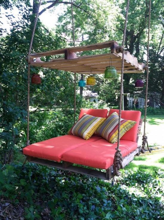 Pallet-Swing-Bed-550x737