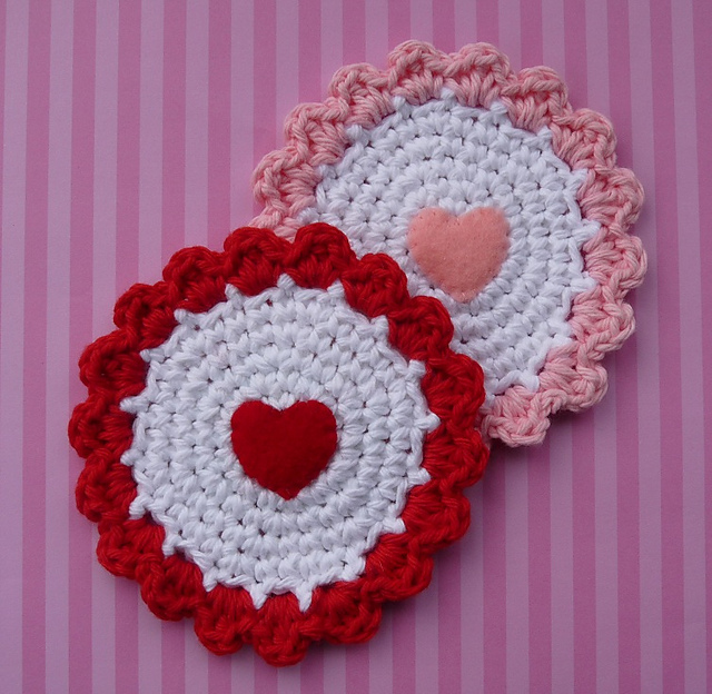 crochet heart coasters -wonderfuldiy2