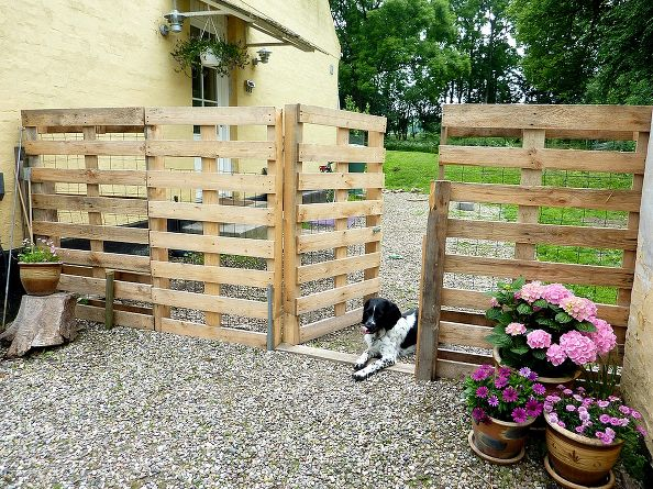 Kerítés - 7 kerti dekoráció raklap felhasználásával