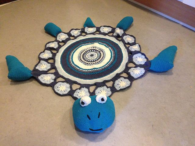 Sea-Turtle-rug-Free-Crochet-Pattern-wonderfuldiy2
