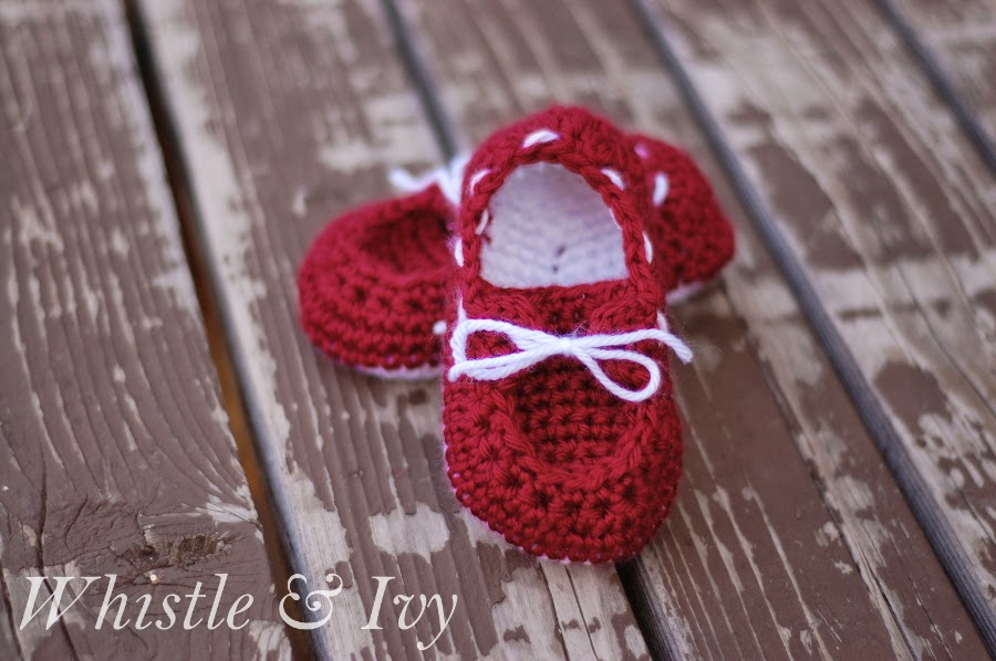 redtoddlerboatshoesFreeCrochetPattern wonderfuldiy Wonderful DIY Crochet Boat Slippers with FREE Pattern