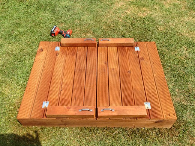 DIY sandbox - box