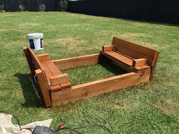 DIY sandbox design in wood Awesome DIY Sandbox Design with Cool Bench Seating