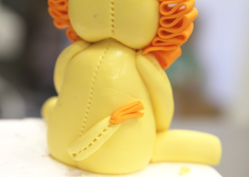 Lion Cake – attaching tail
