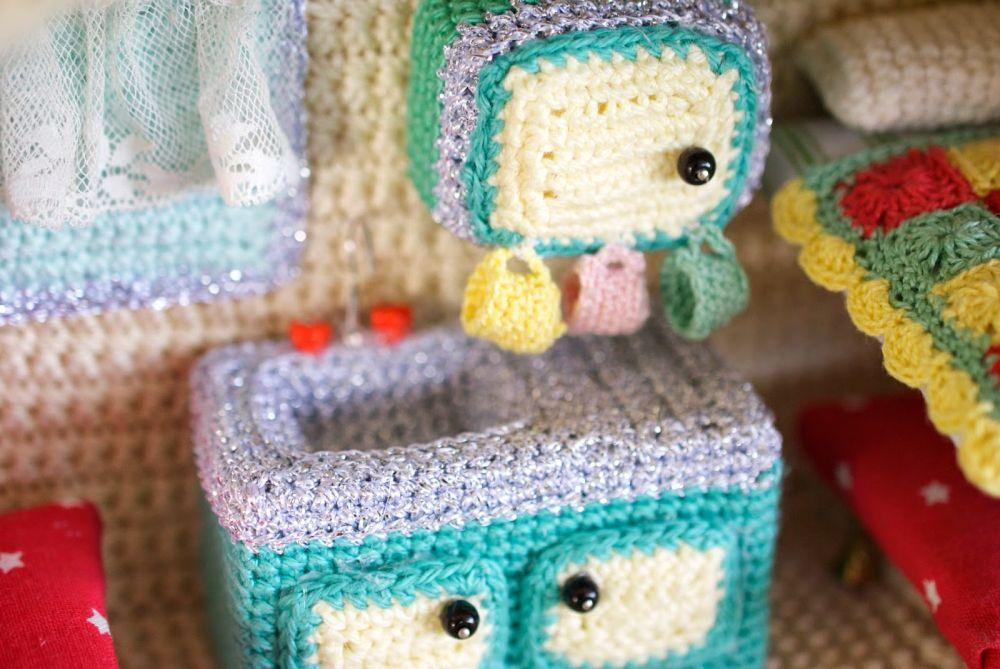 Crochet caravan - kitchen area