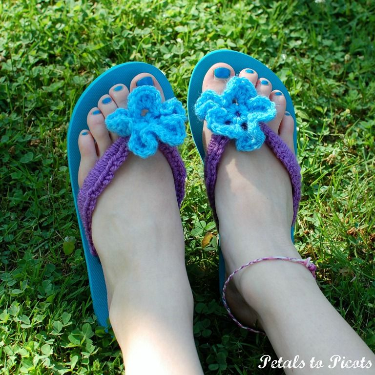 abf47c62649f VIEW IN GALLERY diy crochet flip flops Simply Stunning DIY Crochet Flip Flop  Makeover. Free Pattern ...