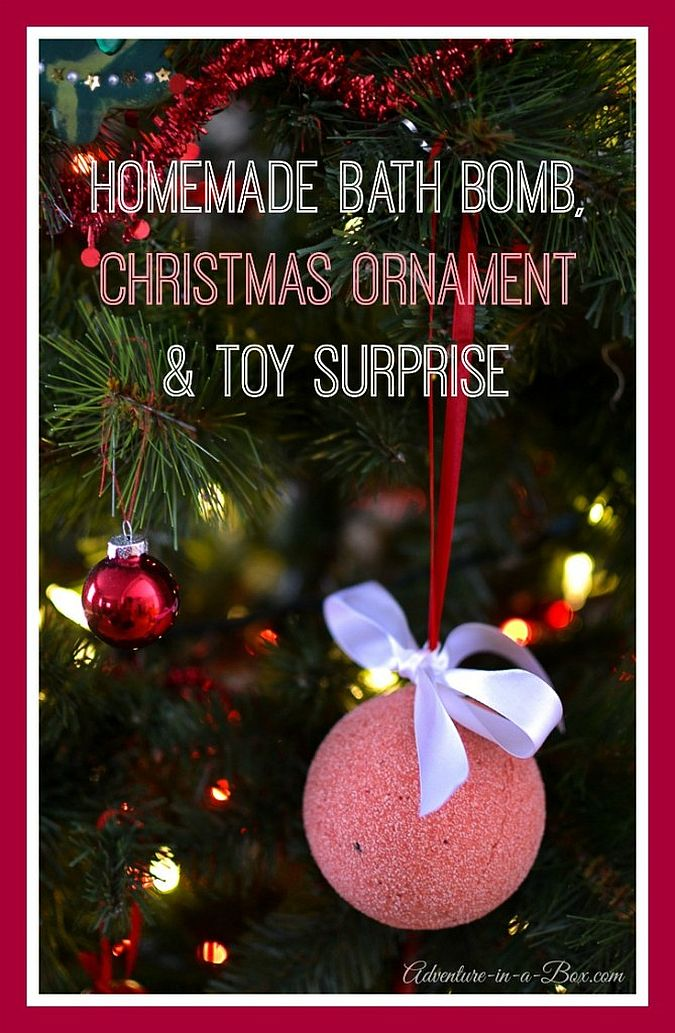 10 spa worthy bath bomb recipes view in gallery diy bath bomb surprises doubles as a gorgeous christmas ornament solutioingenieria Choice Image