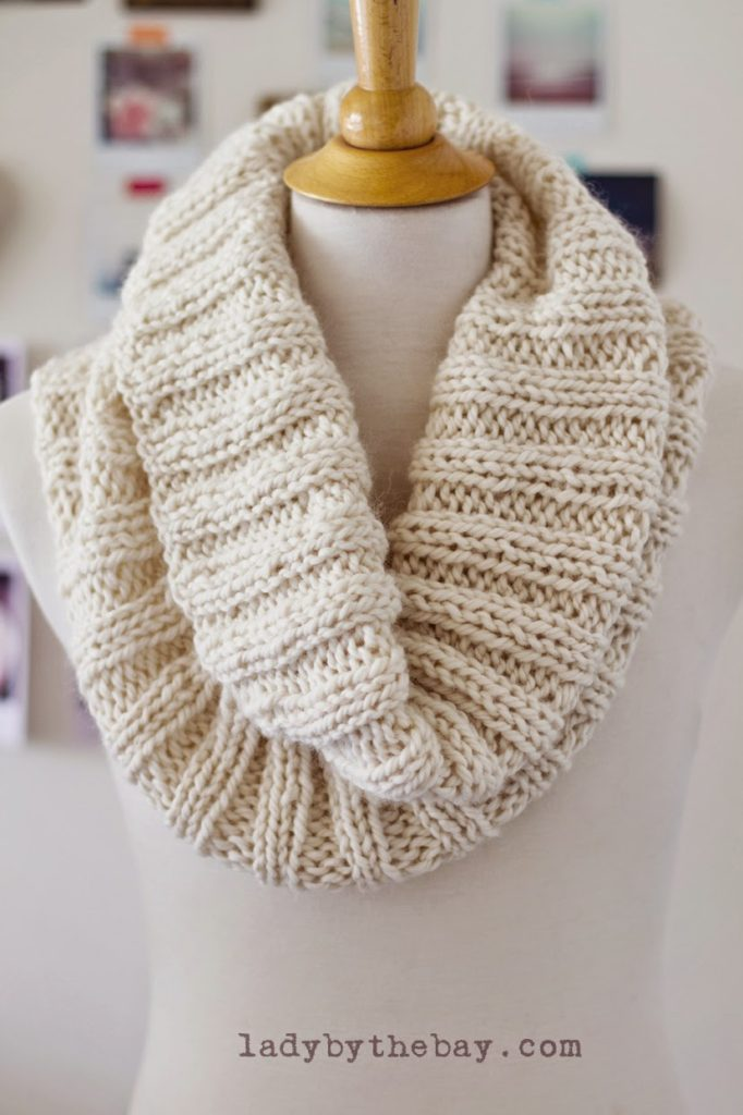 LBTB 682x1024 Out of Gift Ideas? Try These Cozy DIY Knit Scarves!