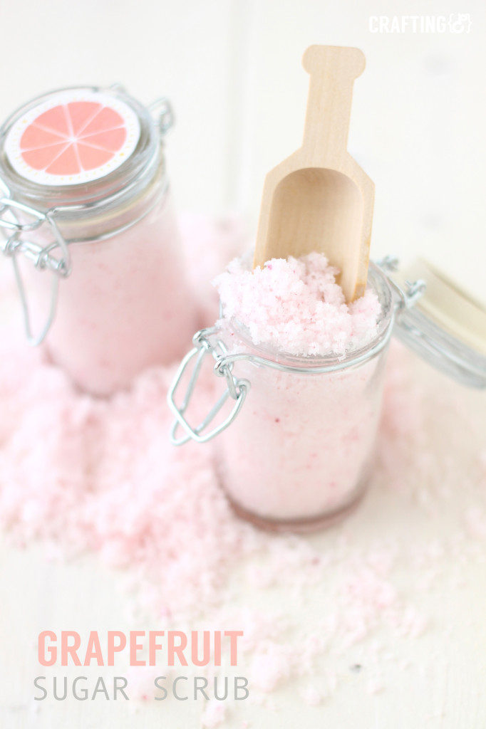 grapefruit scrub 1 682x1024 682x1024 11 Pampering DIY Sugar Scrubs
