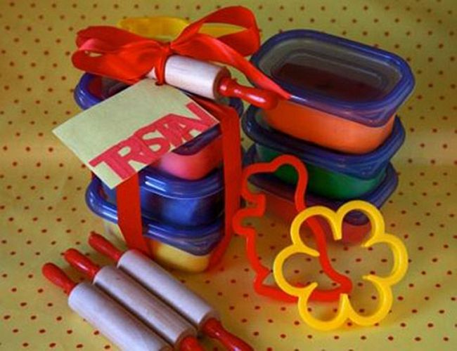 Cute Play Dough Party Favors