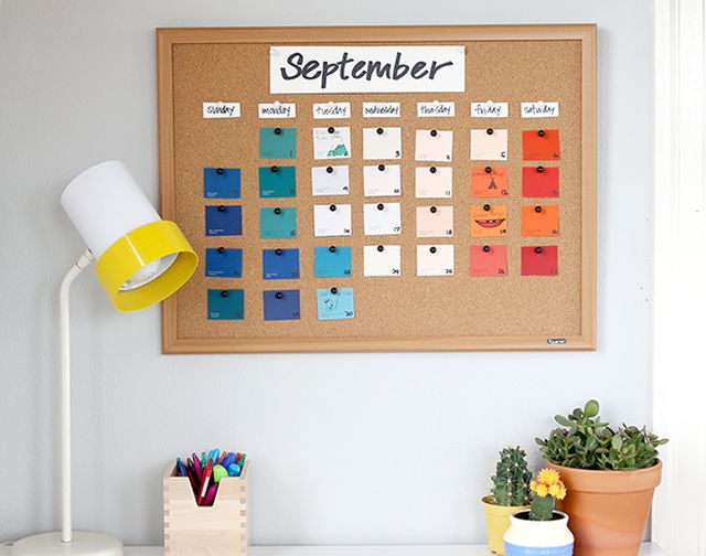 DIY final calendar 5 DIY Calendars That Will Help You Keep Organized in the New Year