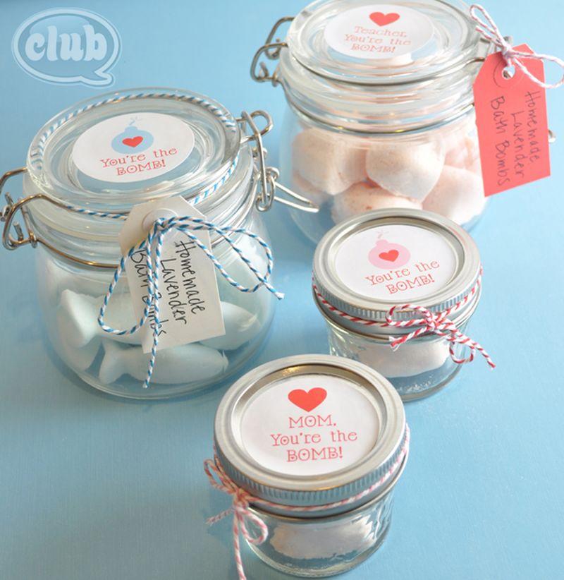 Homemade bath bombs in a jar (gift)