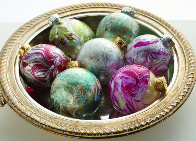 Marbled-Christmas-Ornaments-Craft-Tutorial