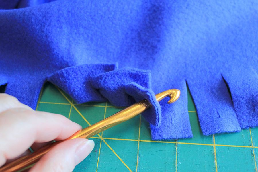 No-sew crochet hook