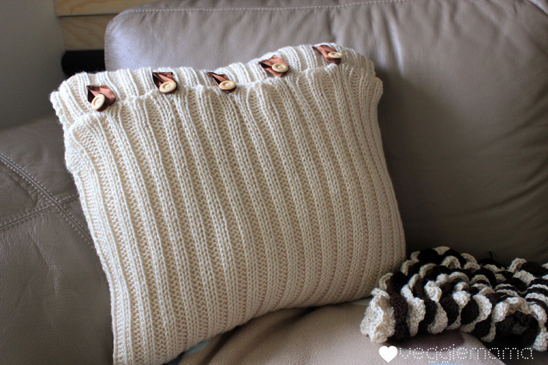 Simple Knitted Pillow