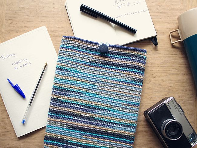 Stylish tablet crochet sleeve in blue