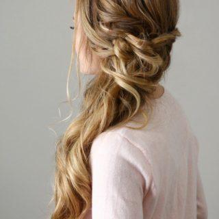 8 DIY Wedding Hairstyles for Long Hair to Impress